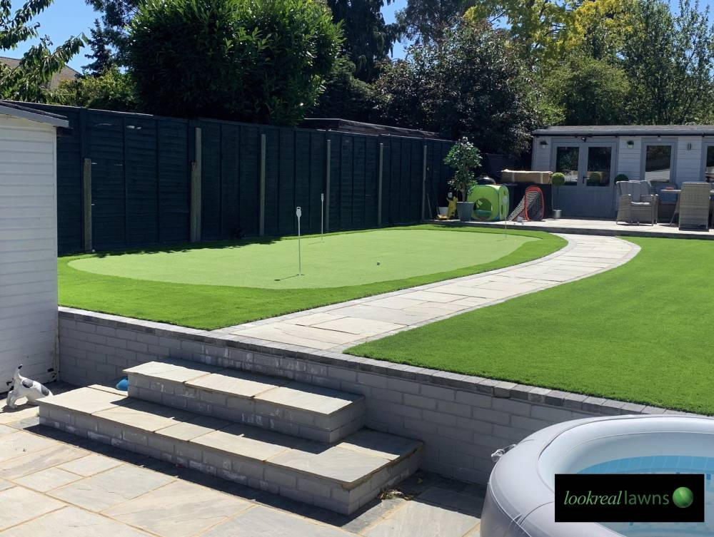 Choosing the right putting green installer